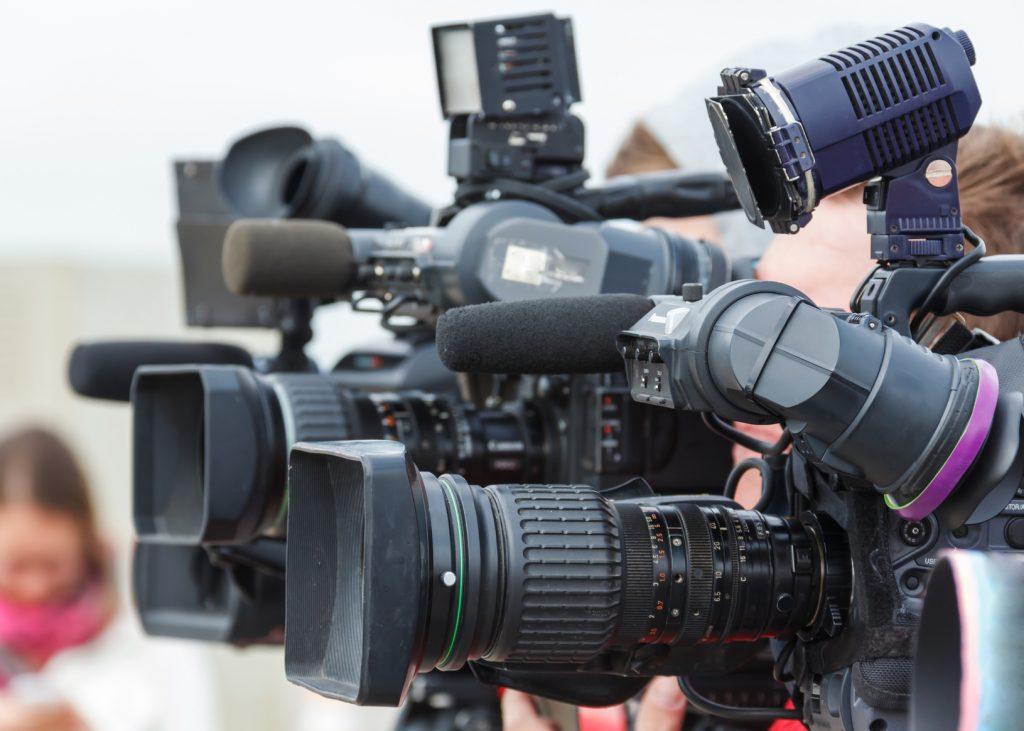 Diverse Kameras, nah am Betrachter
